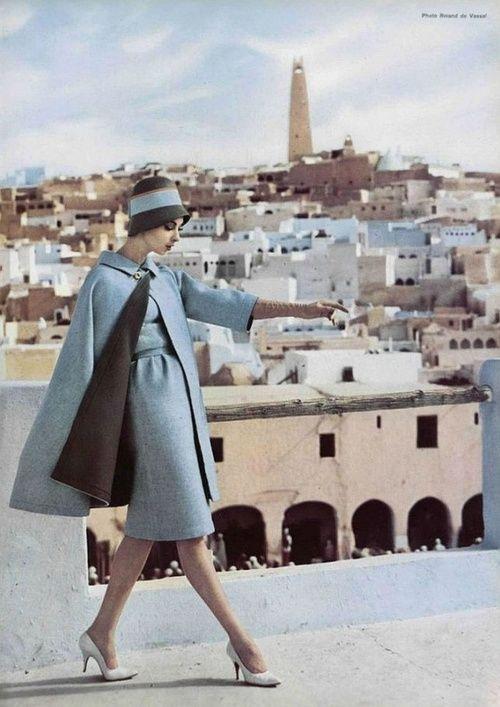 1960's. Beautiful hues of brown & blue.