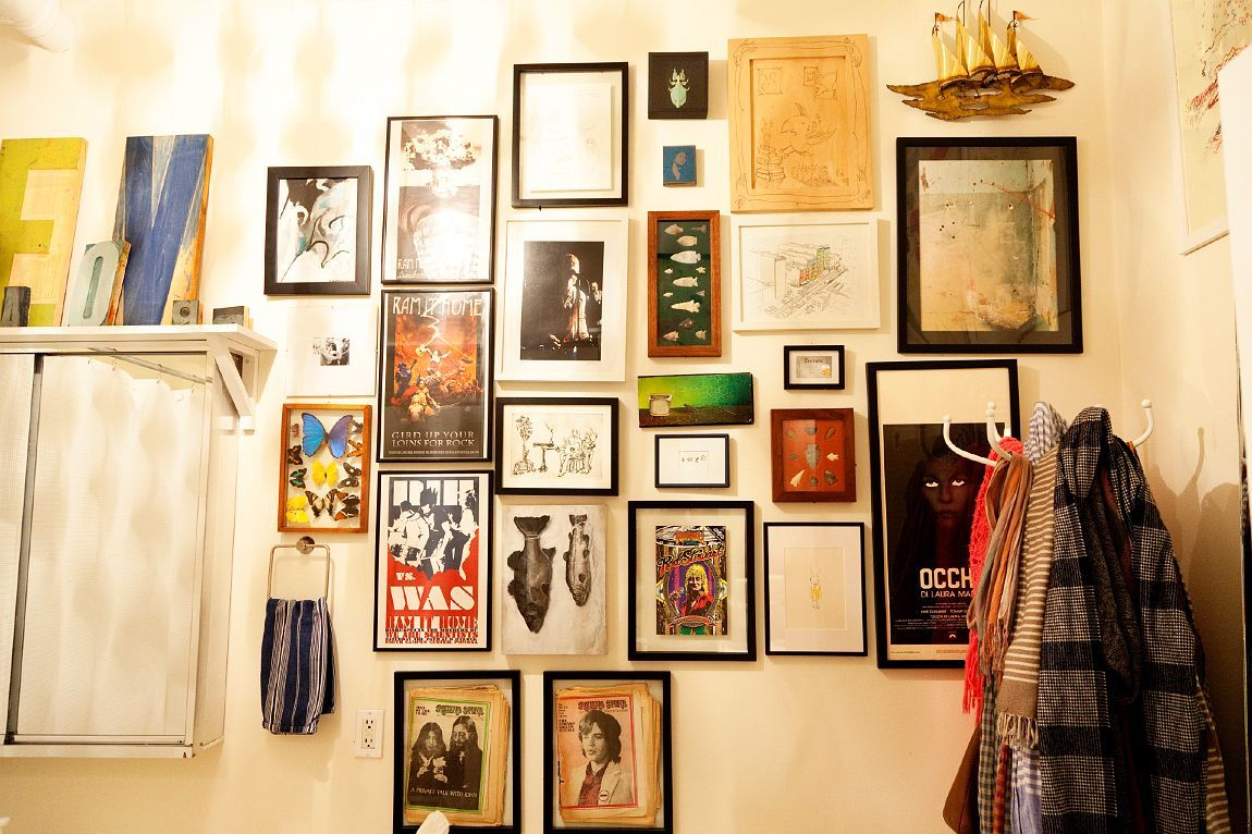 yes. Art in the NYC home of designers Jeff Halmos and Sam Shipley as ...