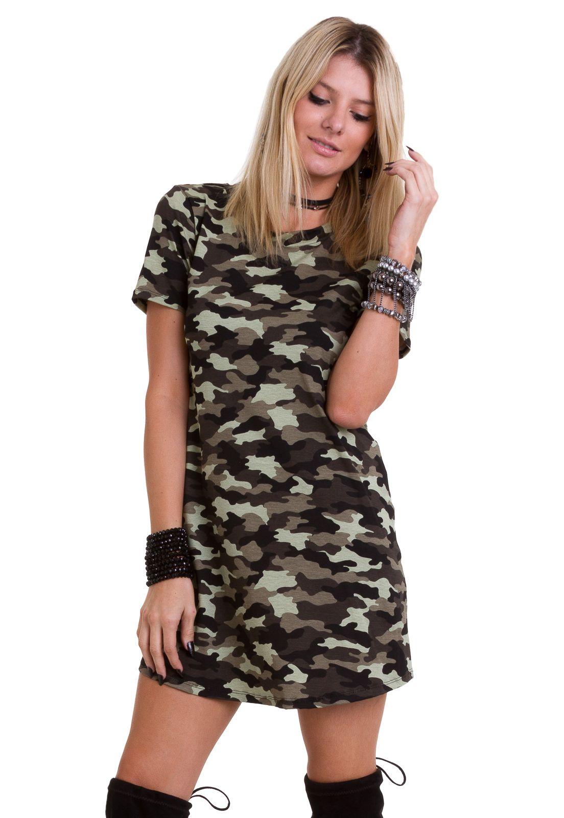 2fec2dda0 ♥ O vestido curto camuflado da Manola apresenta estilo t-shirt ...