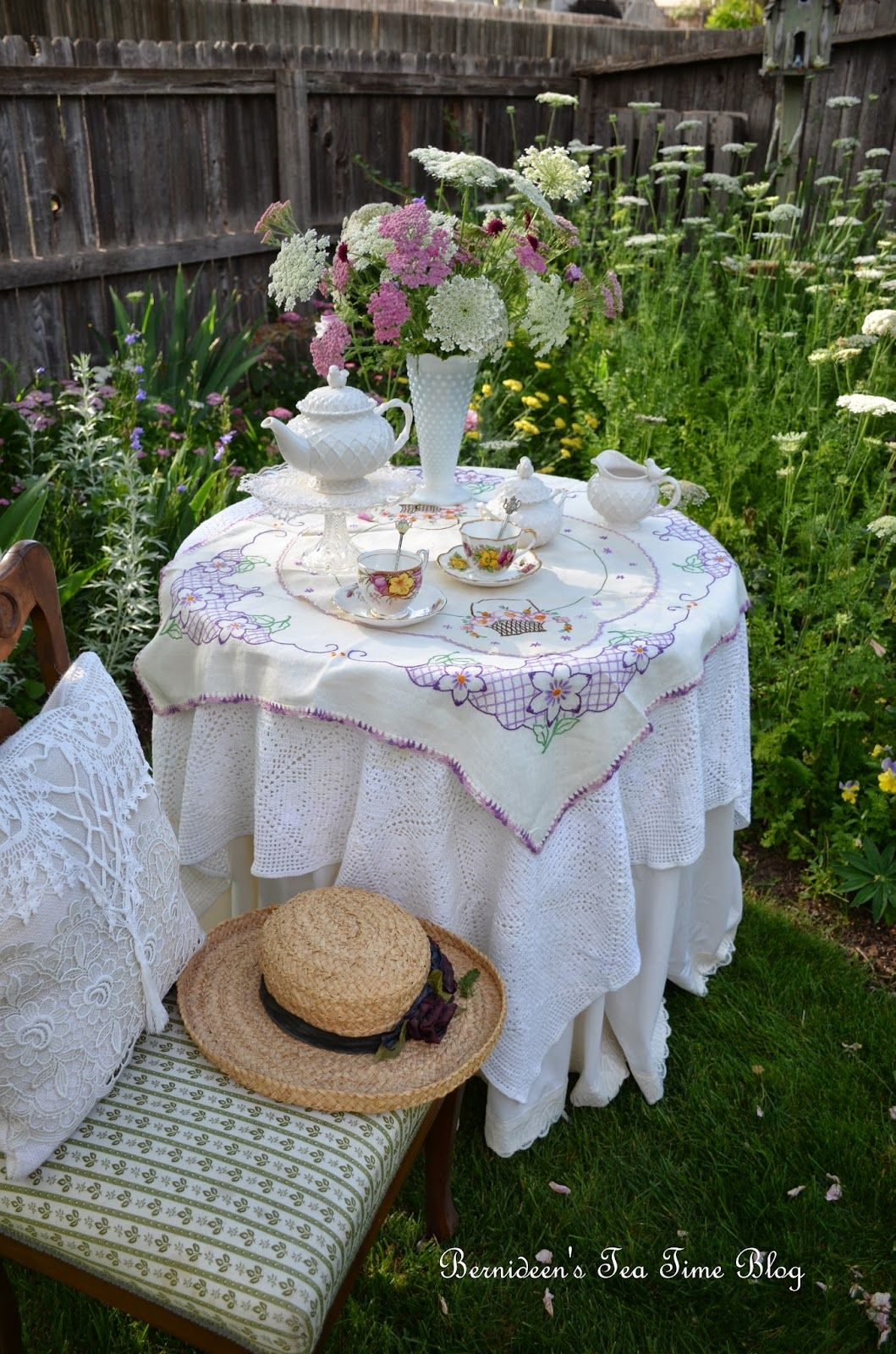 "Bernideen's Tea Time Blog: GOOD MORNING ""Tea In The Garden"""