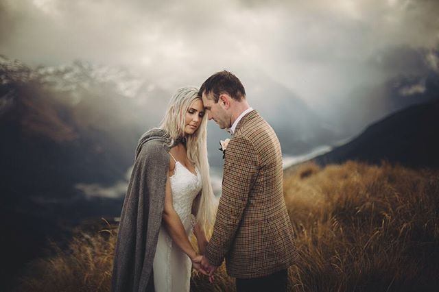 Jamie-Lee + Kyle on their honeymoon adventure in New Zealand . . . Thank you @heliglenorchy  #mountainbride #mountainlove #loveauthentic #bridal #weddingdress #weddingstyle #honeymoon #destinationwedding #nzwedding #newzealand #naturalbride #newzealandwedding #newzealandphotography #queenstownwedding #queenstownphotographer #queenstownweddingphotography #queenstownweddingphotographer #vsco #dawnthomsonphotography