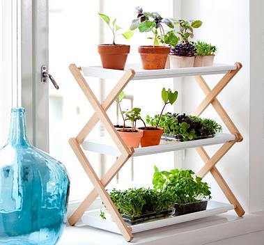 Grønn reol – vekster – dyrking – nordisk design – grønt miljø – grønt interiør
