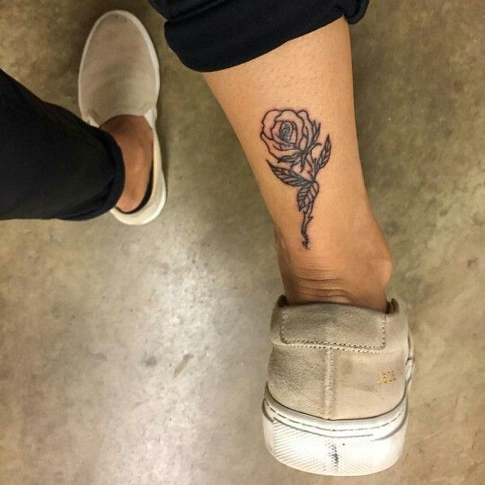 Ankle Tattoo Ankle Tattoos For Women And Black Rose Tattoos Leg Tattoos Tattoos Rose Tattoo On Back