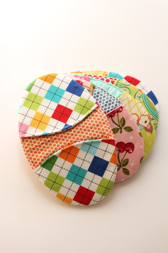 Homemade pot holders- Anna this may be a good sewing project ...