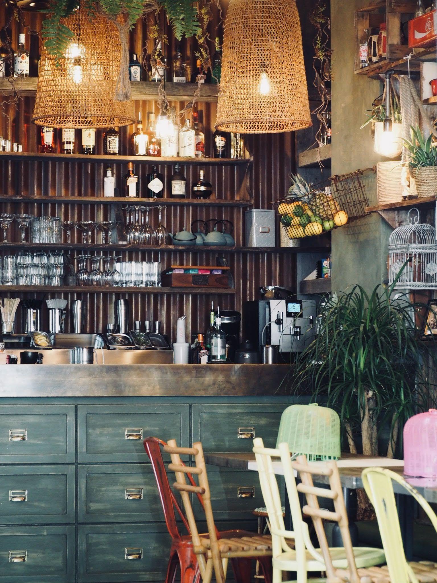 Restaurant Yaai Thai Un Aller Simple Pour Bangkok Interieurs Cafe Restaurant Restaurant Thailandais