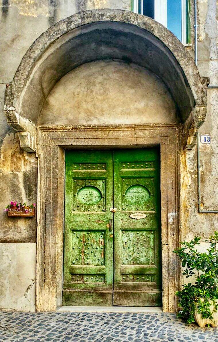 Tivoli Lazio Italy Doors Pinterest Ventana Candados Y