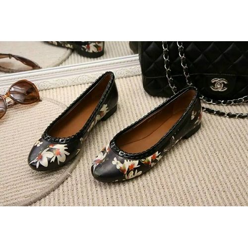 d5fefcb550 GIVENCHY Floral-print nappa leather ballet flats