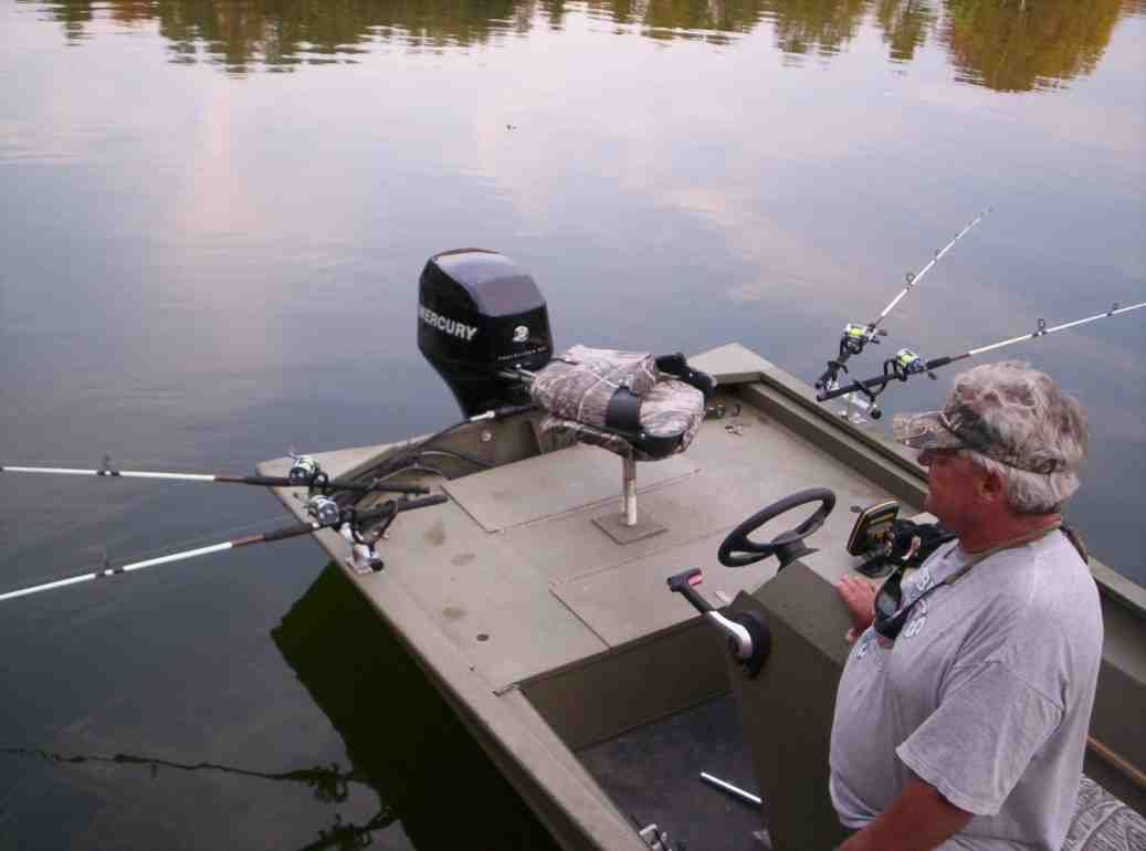Homemade Fishing Rod Holders for Boats TV Fishing Rod Holders