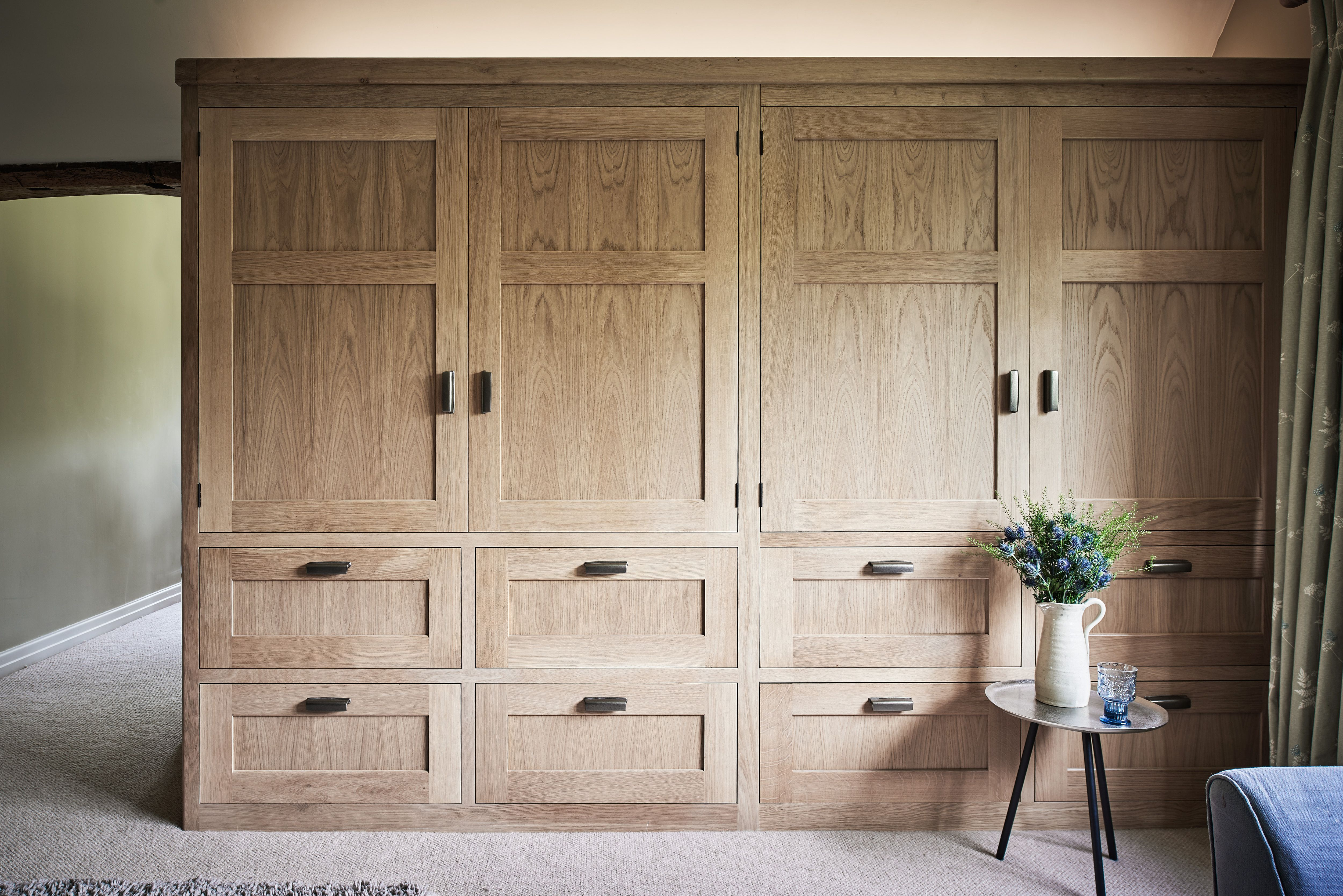 Bespoke Bedroom Furniture Bedroom Design Dressing Room Oak Wardrobes Bespoke Wardrobes Surrey Sussex Hamp Bespoke Kitchens Property Renovation Snug Room