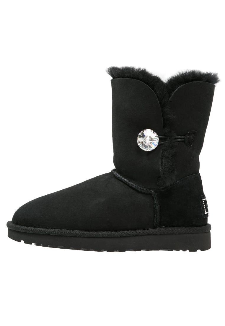 b9e107cf76f Consigue este tipo de botas de nieve de UGG ahora! Haz clic para ver ...