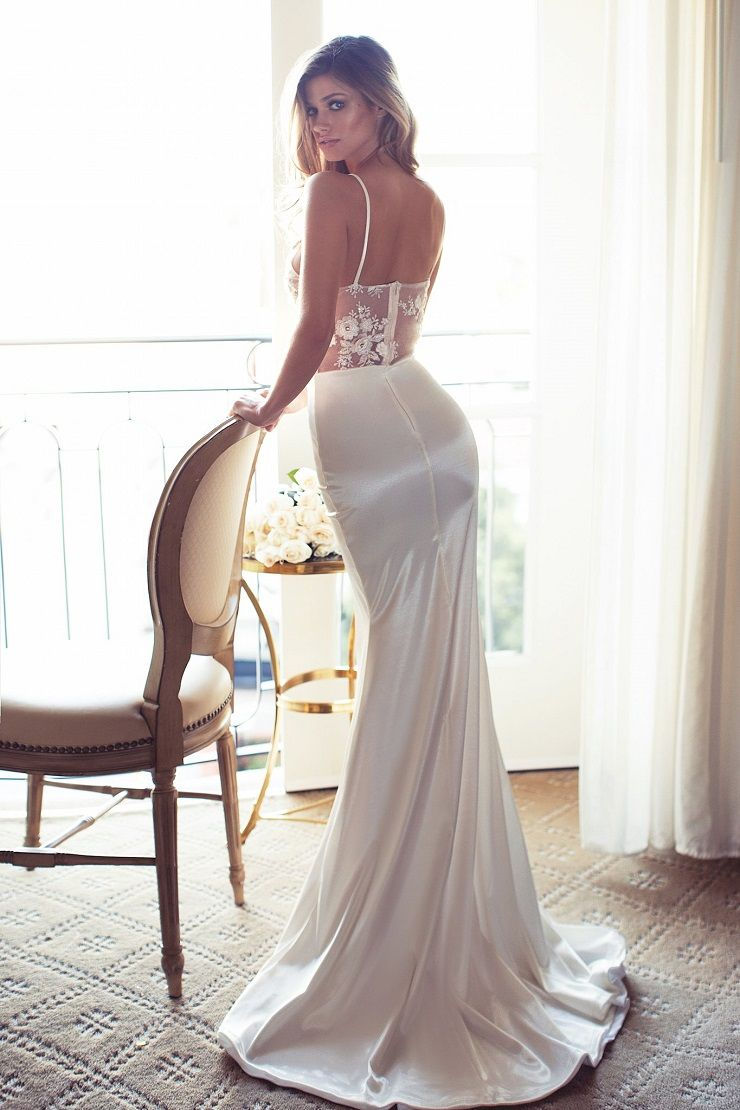 Sexy Plunging Neckline Wedding Dress - Sexy Plunging Neckline Wedding Dress | itakeyou.co.uk #weddingdress #wedding #weddinggown #wedinggowns #bridalgown #bride #weddingdresses #vneck #plungingneckline