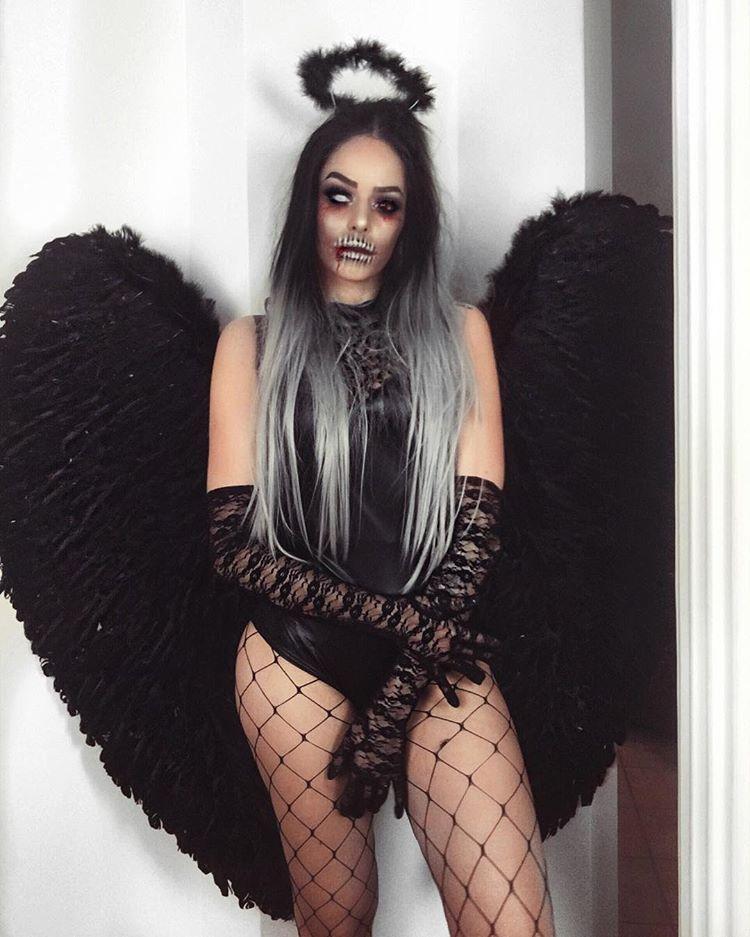Buuu Saiu Primeiro Video De Halloween Anjo Da Noite Ou Sei La O Que Comenta Aqui Qual Nome Voce Daria Carla Beattriz Fantasias Halloween Anjos Da Noite