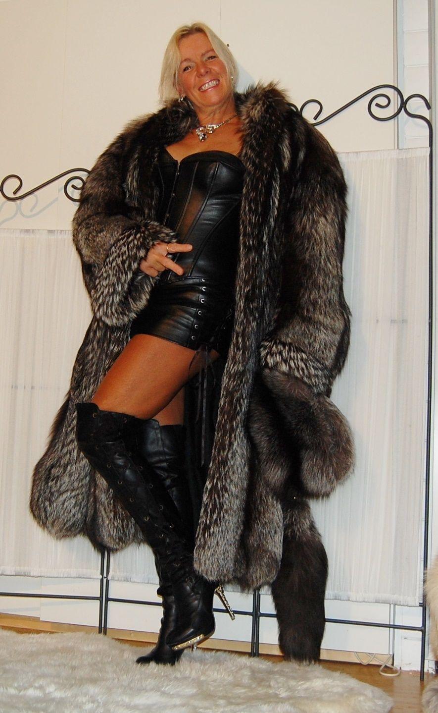 Details About Beautiful Full Length Silver Fox Fur Coat