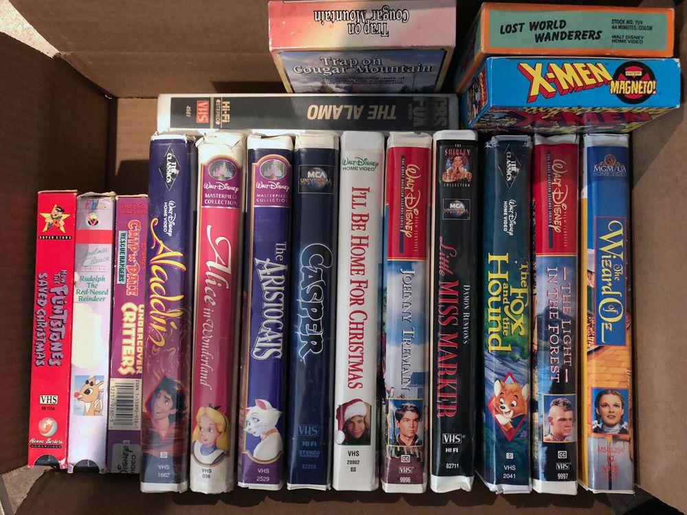 Lot of 17 Vintage VHS Children's / Family Videos Disney