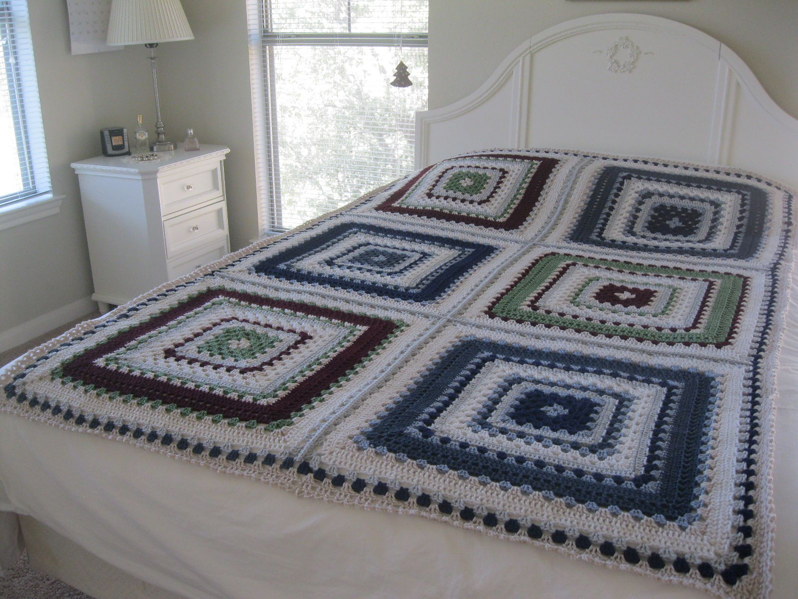 Ravelry giant granny square afghan bedspread pattern by daria ravelry giant granny square afghan bedspread pattern by daria nassiboulina free crochet pattern bankloansurffo Images