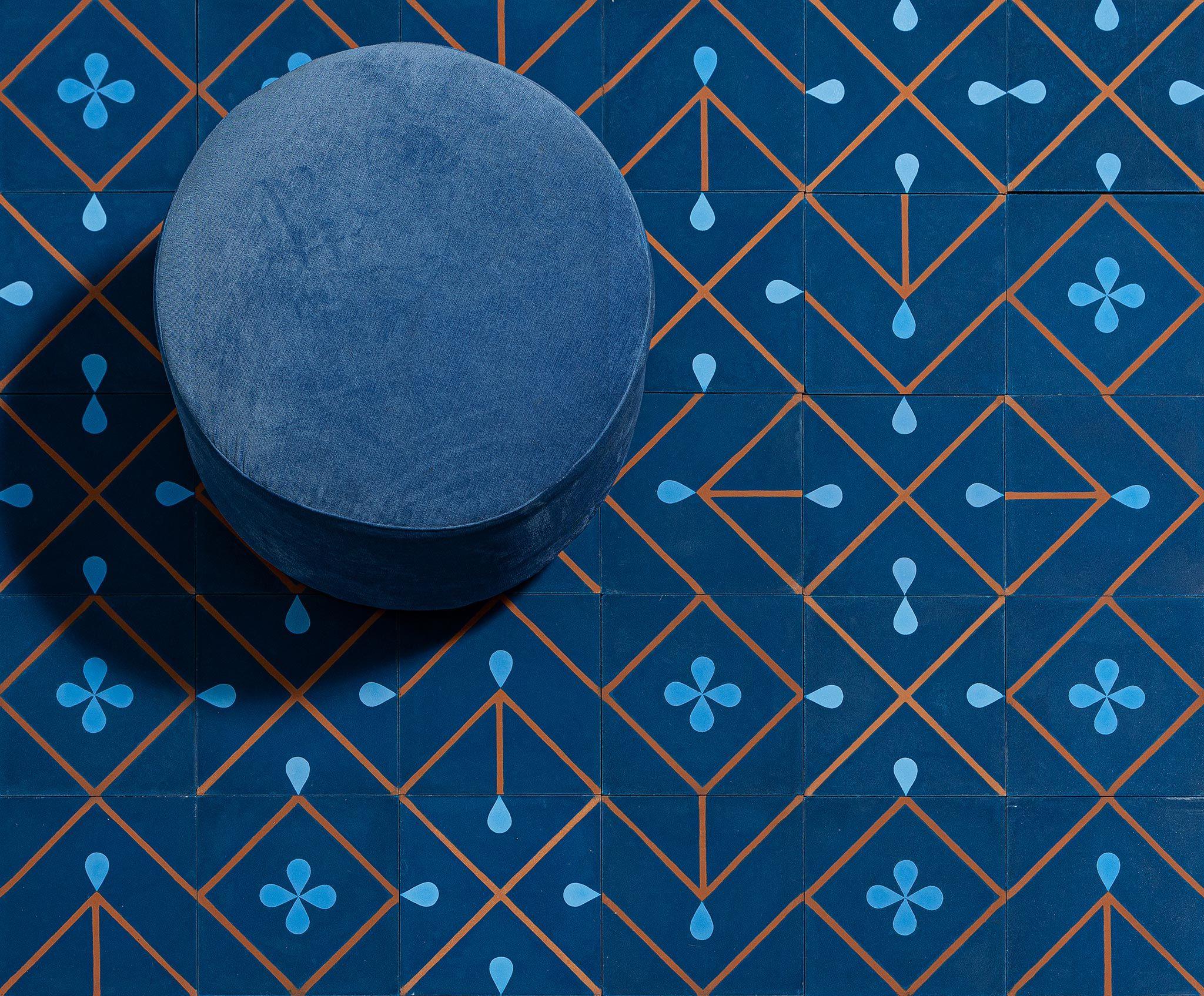 Collection Exclusive De 3 Modeles De Carreaux De Ciment A Combiner Ou A Jouer A L Unite Couleurs Personnalisables Fabricatio En 2020 Carreau De Ciment Carreau Ciment