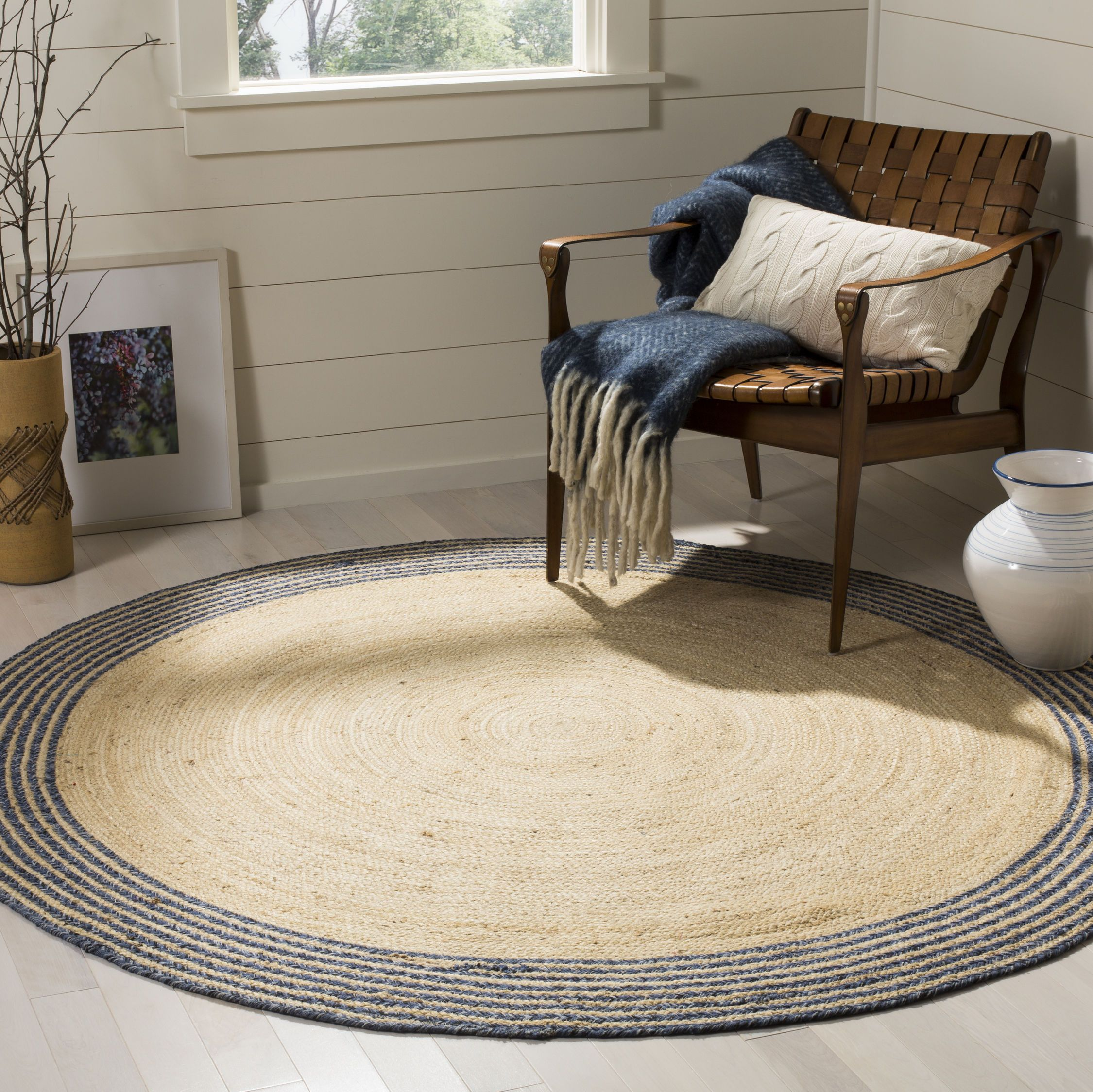Modern Farmhouse Round Jute Rug Handwoven Of Jute And Finished Off With A Border Of Concentric Circles Thi Round Area Rugs Braided Area Rugs Jute Area Rugs