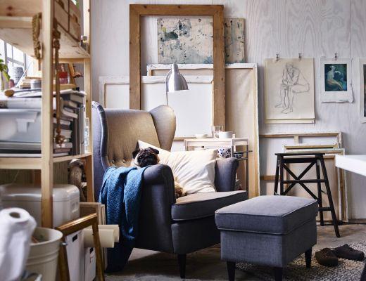 ein platz zum ausruhen ist ein muss im atelier hier wird strandmon ohrensessel mit bezug. Black Bedroom Furniture Sets. Home Design Ideas