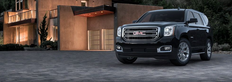 Interior Meet The 2017 Gmc Yukon Full Size Suv Its Spacious Interior Offers Three Rows Of Seating That Can Accommodate Up To Full Size Suv Gmc Yukon Large Suv