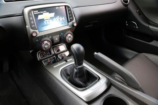 2015 Chevrolet Camaro Interior | Muscle On The Outside, But The Interior Is  Soft And Gentle | Read The Full Review