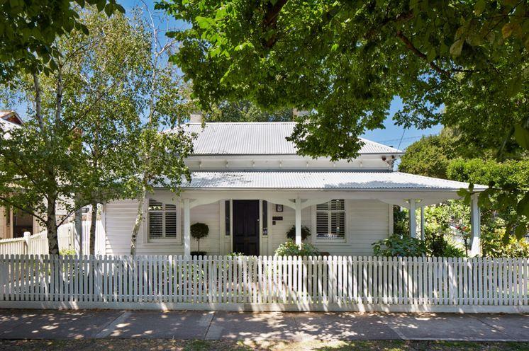 1880s Clapboard Home Melbourne Australia Transitional Exterior