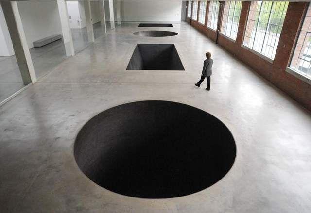 Michael Heizer, North, East, South, West, 1967/2002  Dia Art