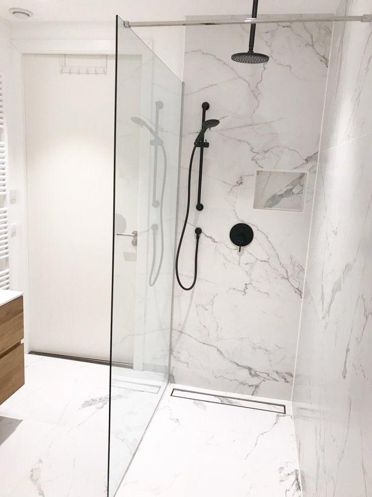 Marble And Black Bathroom Small Bathroom Renovations White Marble Bathrooms Modern Small Bathrooms