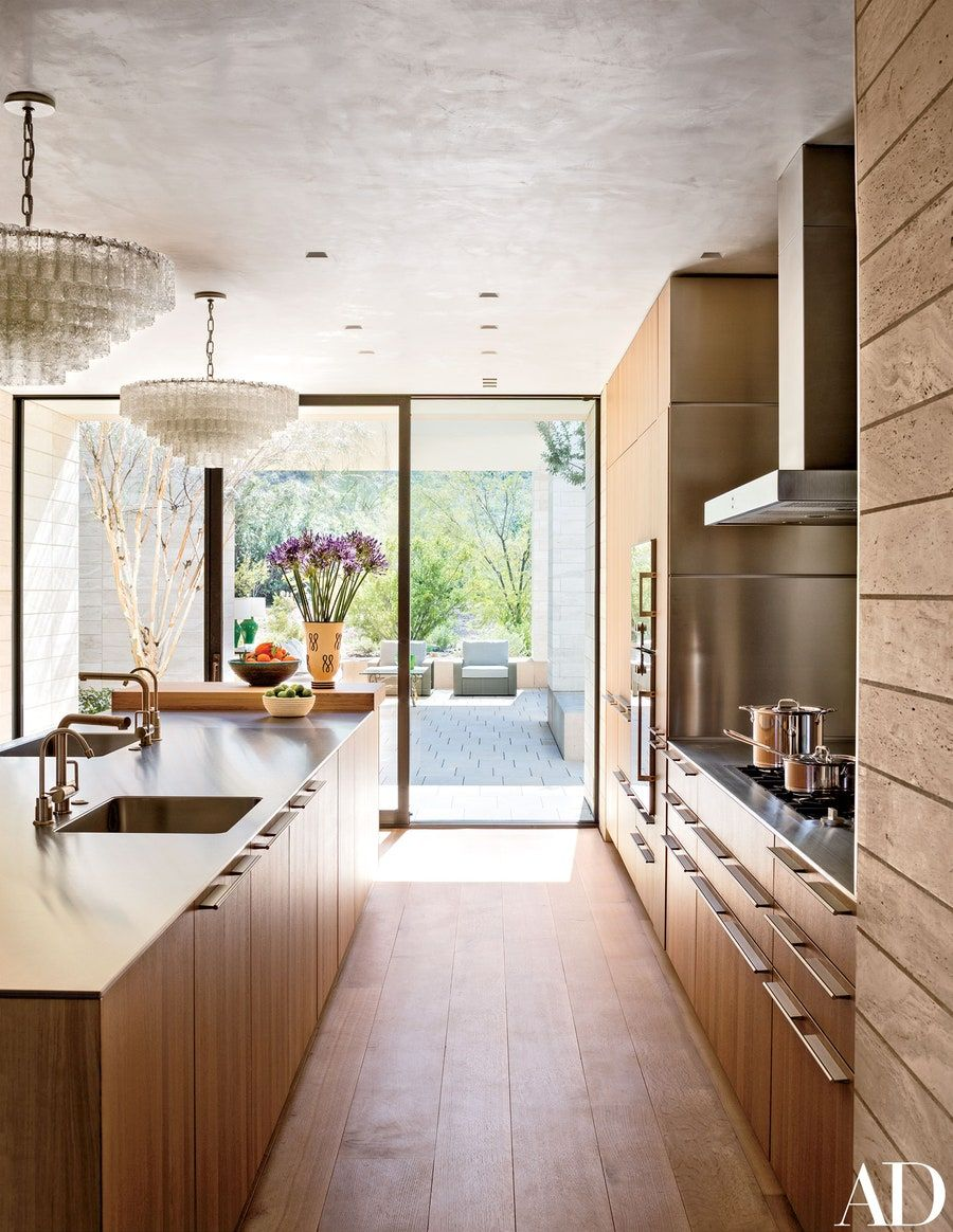 Tour This Extraordinary Contemporary Residence In Arizona S Paradise Valley Architectural Digest Kitchen Design Contemporary Kitchen Contemporary Style Kitchen