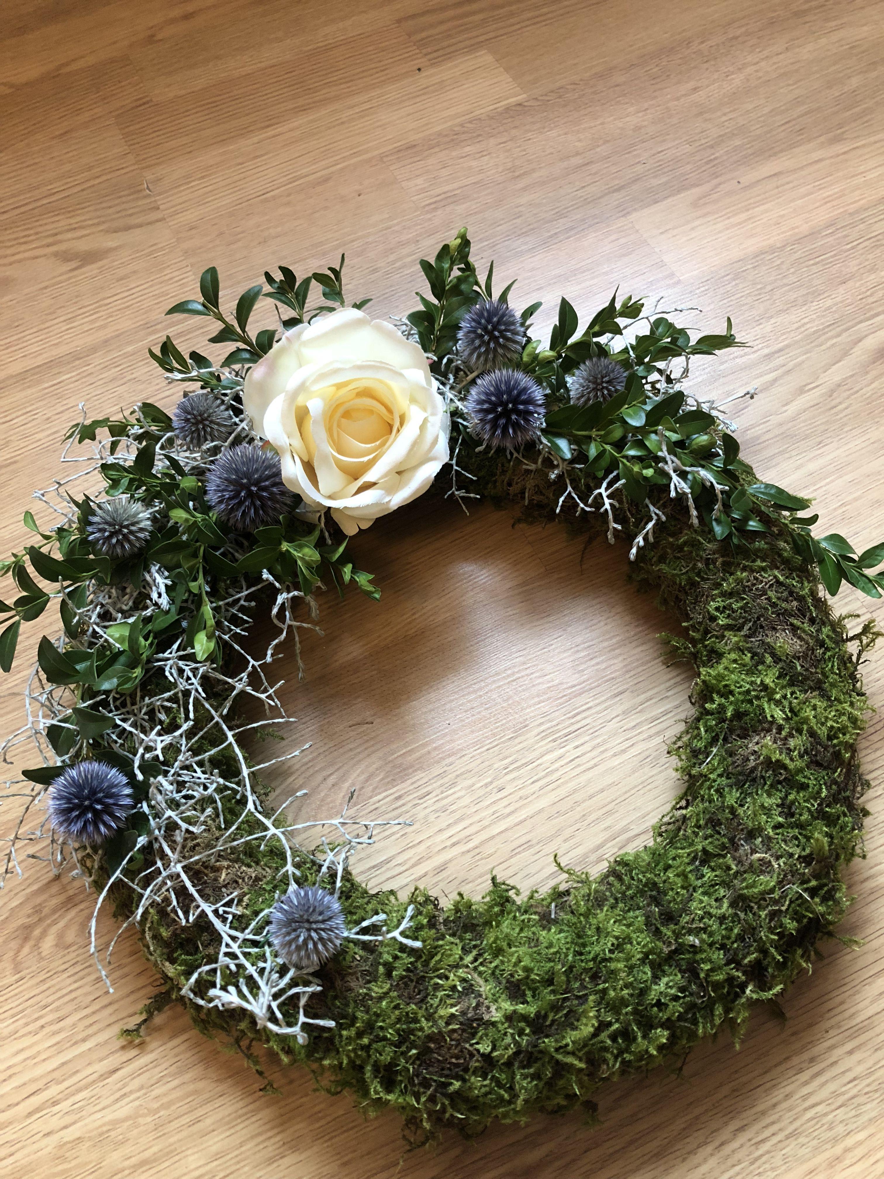 Moss wreath Moss wreath, Wreaths