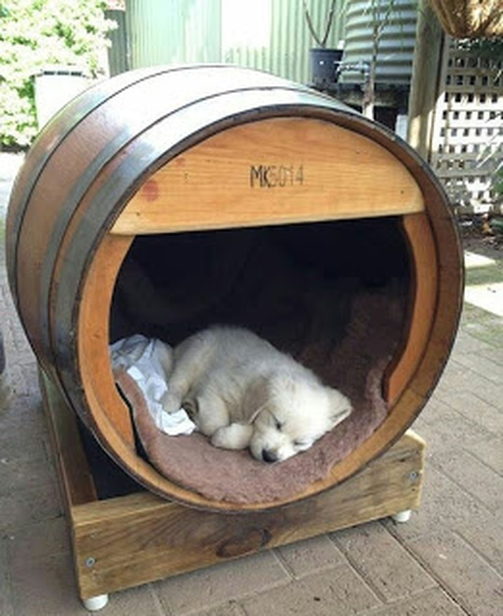 Home Design Ideas For Dogs: 32 Rustic Indoor Dog Houses Design Ideas For Small Dogs To