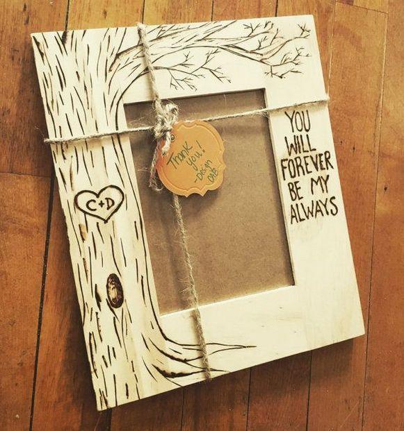 20+ Romantic Christmas Gifts For Boyfriend Ideas - Creative Maxx Ideas #christmasgiftsforboyfriend