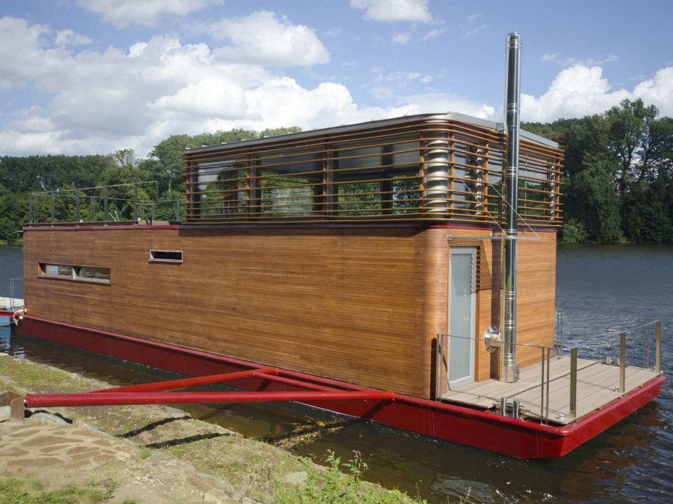 Architecture Cool Modern Houseboat Design Featuring