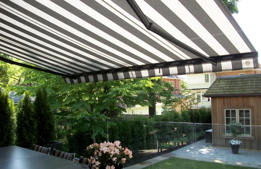 Blue And White Striped Awning Rolltec Retractable Awnings Toronto Ontario Canada Retractable Awning Awning Blue And White