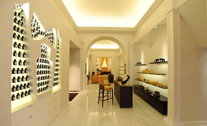 Acqua di parma perfume shop milan interior spaces for Riviste di interior design