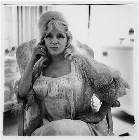 Los Angeles Morgue Files Actress Mae West S At The Ravenswood Apartments 1980