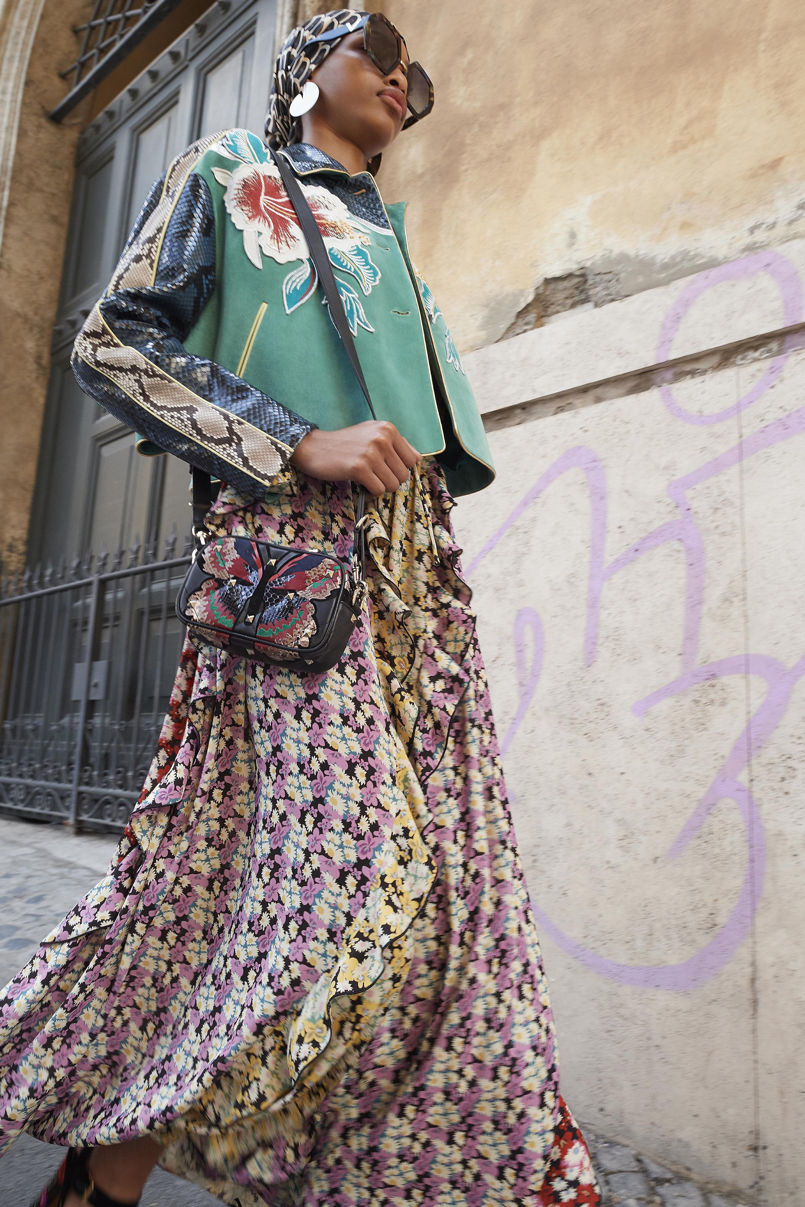 fe5cbe545741 Valentino Resort 2019 New York Collection - Vogue inspired by 70s fashion  styles
