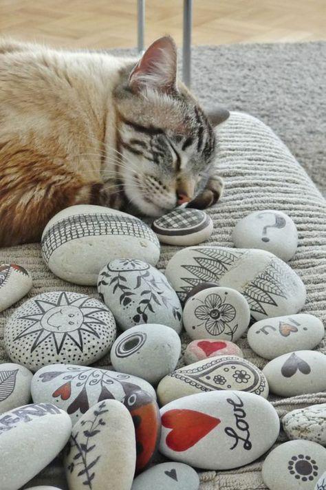 basteln mit steinen katze gartendeko steine bemalen | dekoration, Gartenarbeit ideen