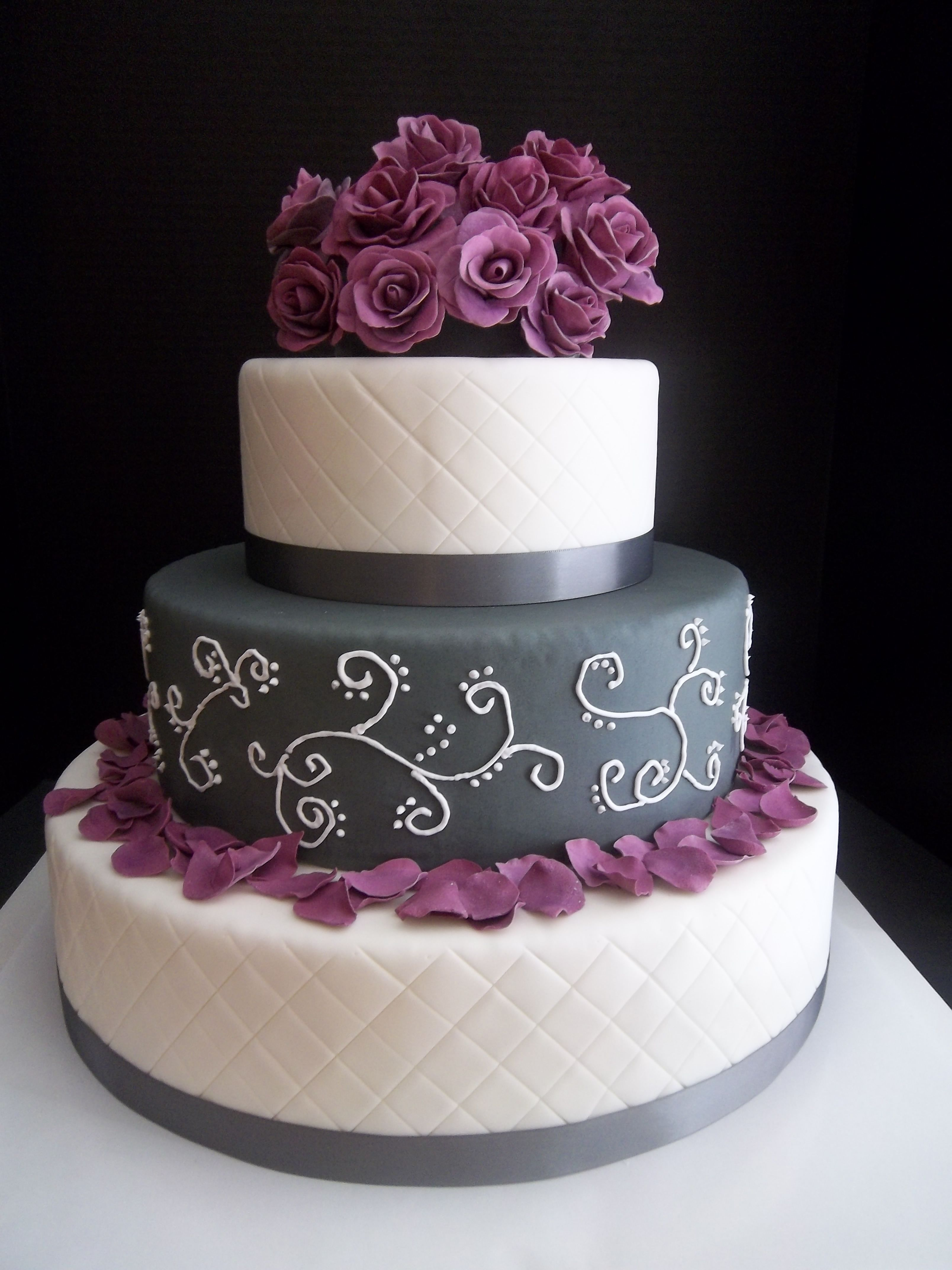 gray and purple wedding cakes featured sponsors