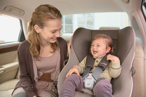 Điều cần lưu ý khi chọn mua và sử dụng ghế ngồi ô tô cho trẻ