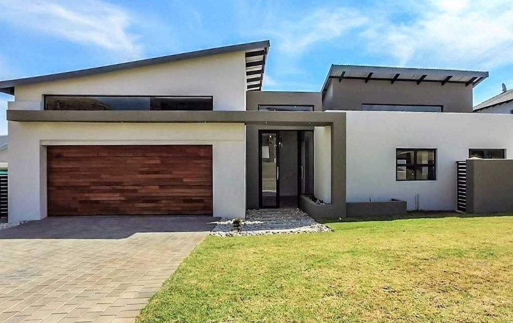 Browse Our Huge Selection Of House Plans To Find The Perfect Match For You Get Inspired House Plans South Africa Farm Style House Farmhouse Style House Plans
