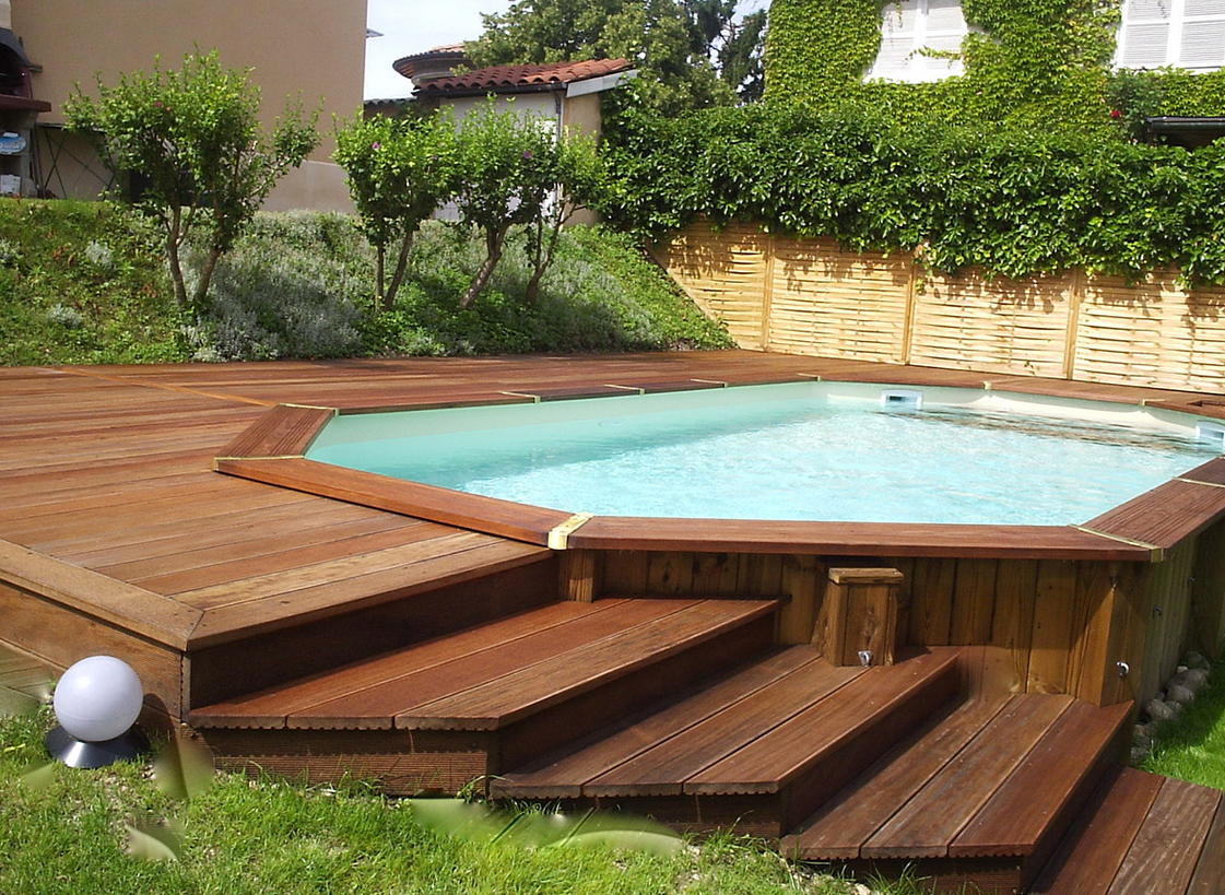 Les Piscines En Bois En Photo Patiochairsandpatiofurnishings Backyard Pool Landscaping Pools Backyard Inground Above Ground Pool Landscaping