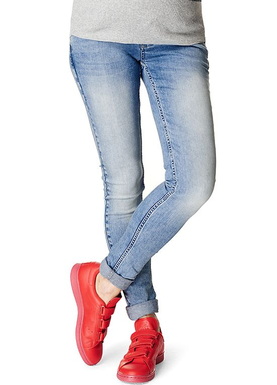 6c3410ea5aa86 Supermom - Skinny Jeans in Light Wash | : Maternity Jeans ...
