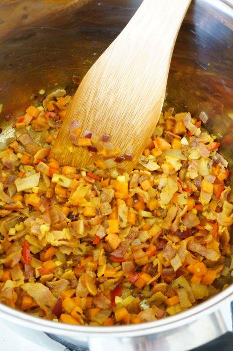 Суп с чечевицей, беконом и специями от Джейми Оливера ...