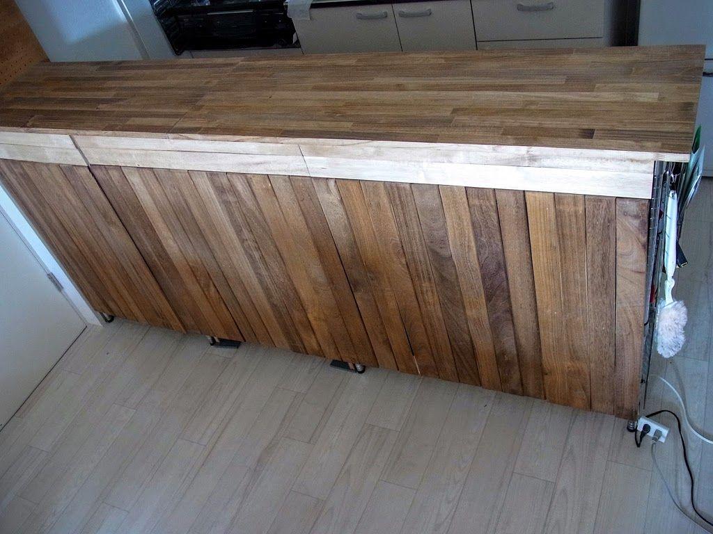 我が家では狭いキッチンの作業スペースを確保するため スチールラックと食器棚で簡易なキッチンカウンターを設置しているのですが あまりにもアレなので Diyで見栄えよくしてみました 元々の状態 ダイニング側から見た写真です 60cm幅のスチールラック 約60cm