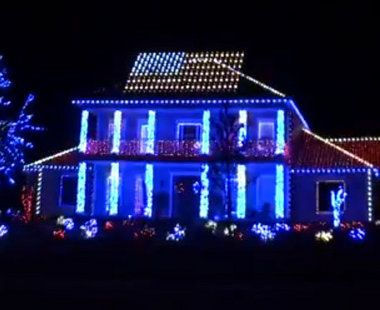 Patriotic Christmas Lights.Viral Video Patriotic Christmas Light Display Salutes