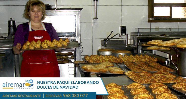 Te mostramos la elaboración de nuestros dulces de navidad  gracias a las maravillosas manos de Paqui, cocinando con esa ternura que la caracteriza. Reserva: 968383077