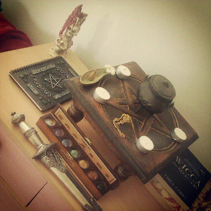 Wiccan Wedding Altar: Altars: Wiccan #Altar. I Like The Colored Rocks