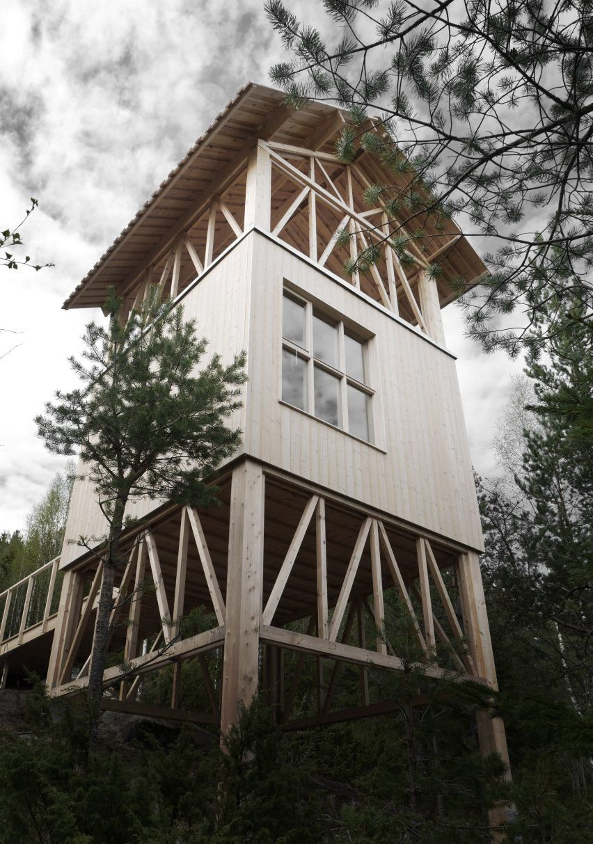 Timber Framed Cabin By Hanna Michelson Stands On Stilts To Peep Over The  Treetops Of
