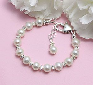 A gorgeous cultured pearl bracelet for babies and children