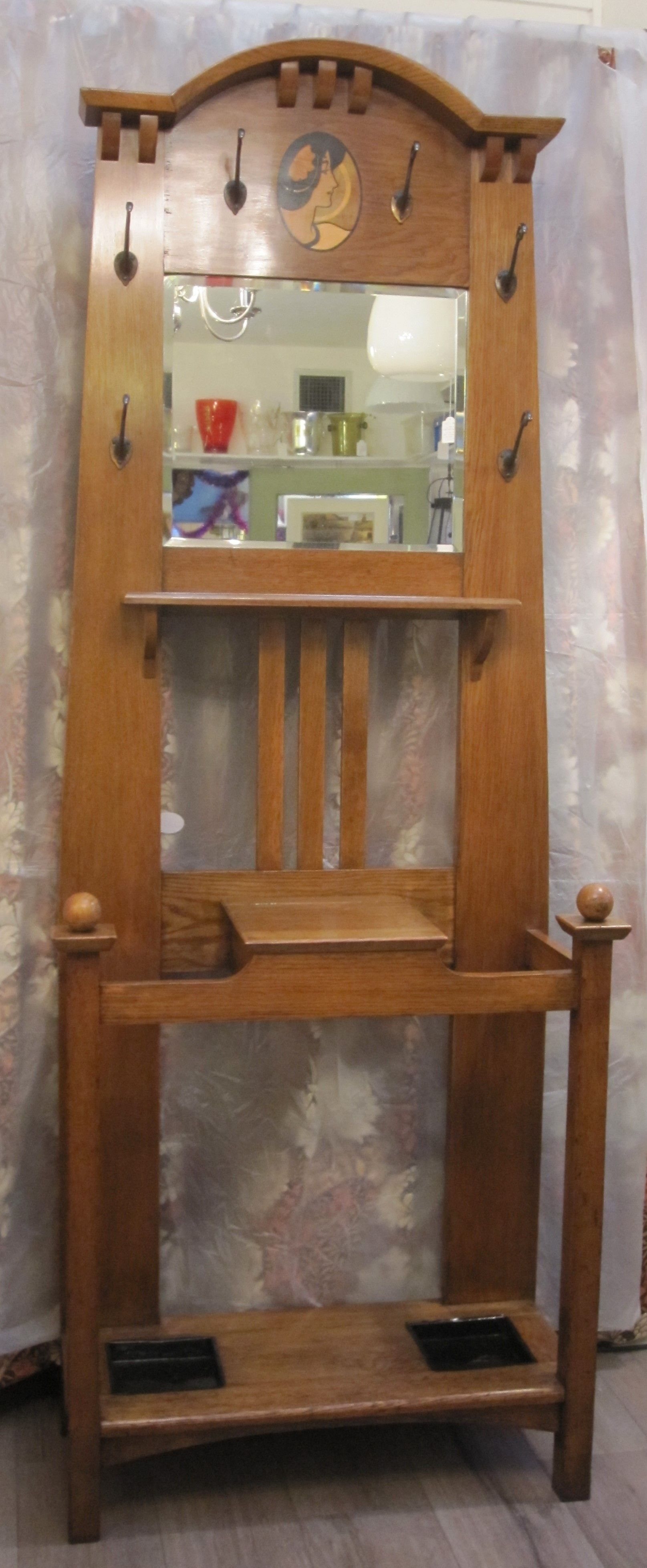 18+ Arts and crafts movement furniture info